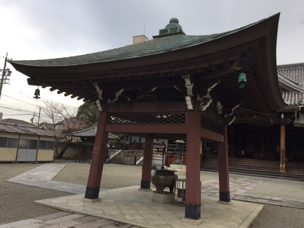 岡寺香炉堂